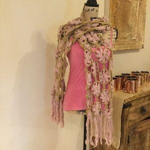 Dusty Pink & Gold Crochet Scarf Flower Pattern
